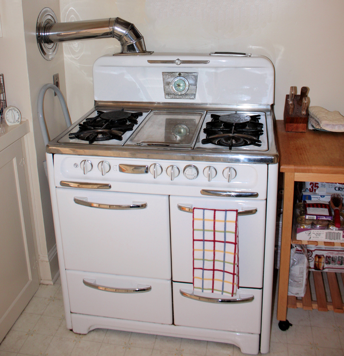 STOVES | 1920 WHITE ANTIQUE WEDGEWOOD STOVES